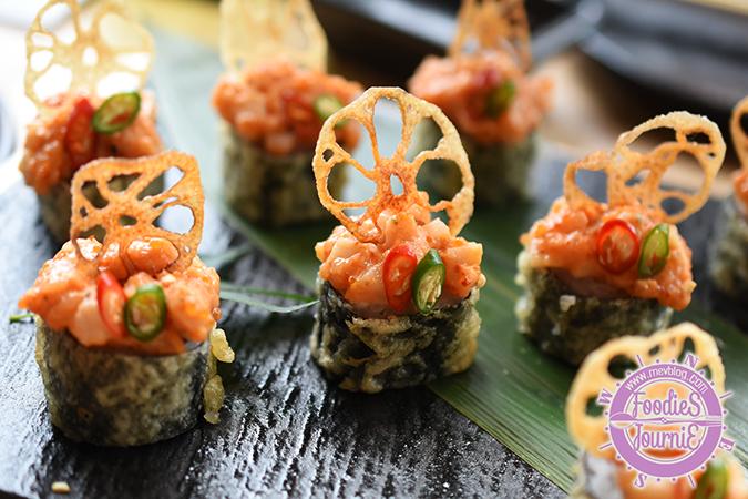 Hot Bangkok Maki : Lotus Root Chips, Chopped Scallop, and Flying Fish Roe