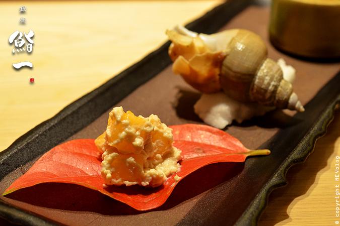 ลูกพลับเต้าหู้บด หอยสังข์อบสาเก และกุ้งหวาน จัดจานมาประณีตงดงาม