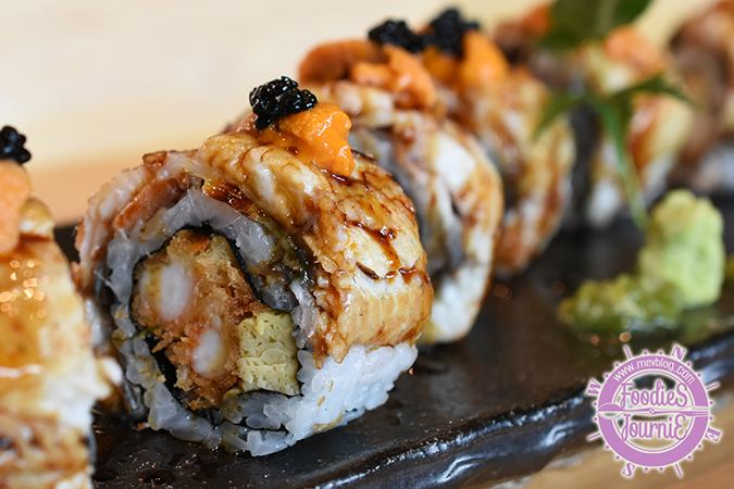 Uramaki = inside-out roll